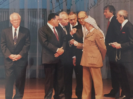Is Netanyahu implementing the New Middle East vision of Shimon Peres?