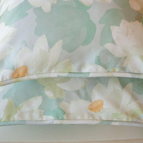 WS: Lotus Blooms - grey - cushions
