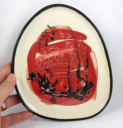 Assiette ovale céramique peinte rouge blanc noir motifs abstraits