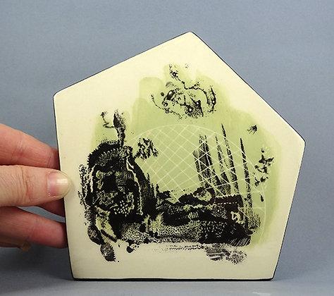 carreau de faïence géométrique vert pastel noir blanc avec dessin original