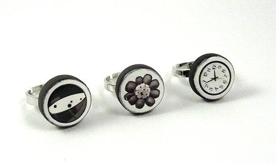 petites bagues rondes design contemporain graphique noir blanc