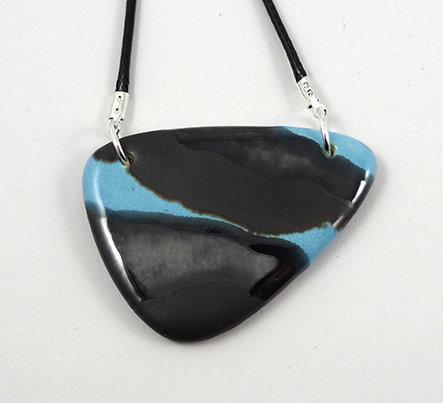 Collier original bleu noir argenté mat pour femme bijou céramique