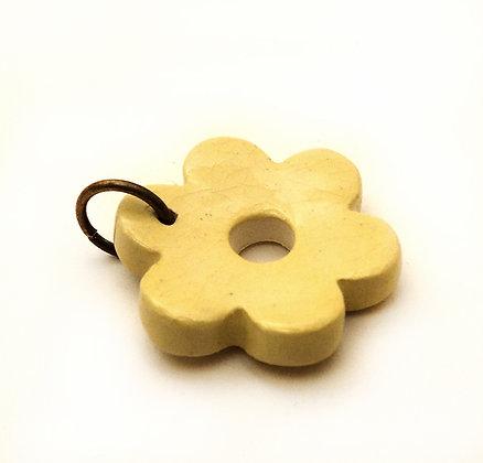 Pendentif fleur jaune en céramique émaillée pour enfant