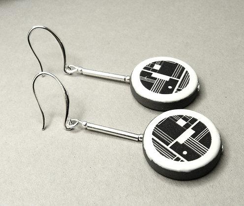 Boucles longues ronds motif géométrique noir blanc