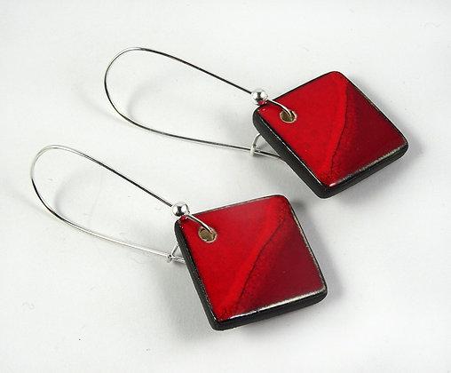 boucles d'oreilles rouge pili losanges carrés crochets argentés