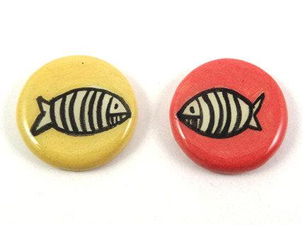 Fèves en céramique pour galette des rois motif poissons colorés