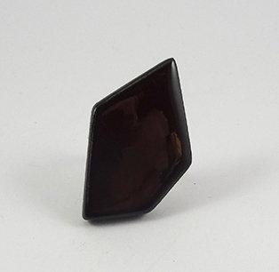 bague en céramique rouge brun bordeau grenat forme géométrique