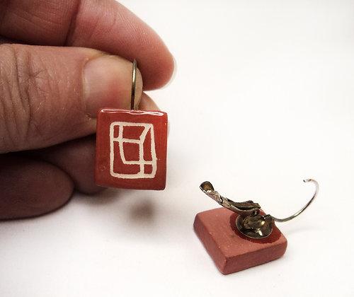 boucles d'oreilles de créateur en céramique colorées rouge blanc