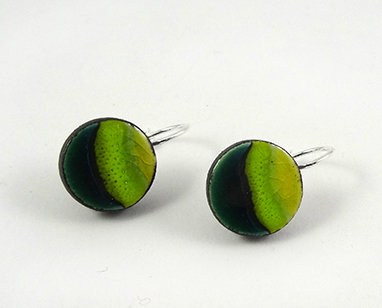 petites boucles d'oreilles vert rond dormeuses bijou coloré design céramique