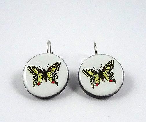 boucles d'oreilles dessin papillons colorés sur rond blanc céramique