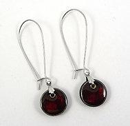 Petites boucles rondes rouge bordeaux prune en céramique crochet sécure