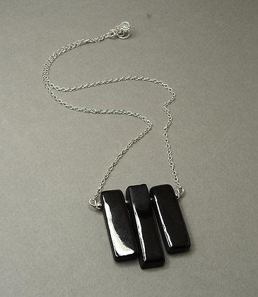 collier contemporain chic en céramique géométrique brillant noir