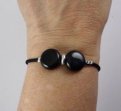 bracelet noir 2 perles céramique et élastique noir unisexe