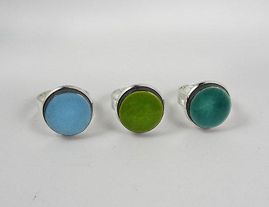 bagues rondes vert turquoise bleu ciel serties sur métal argent