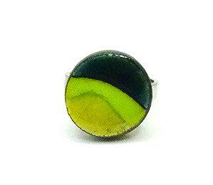 Petite bague ronde vert rayures bijou en céramique bague réglable