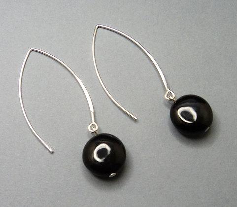 boucles d'oreilles rondes noires chic avec crochet argent long céramique