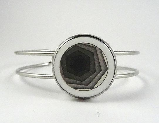 bracelet design graphique noir blanc motif hexagone dégradé jonc ceramique