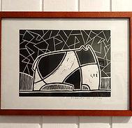 Linogravure dessin original animal imaginaire noir et blanc sous cadre