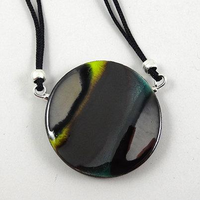 Collier en céramique rond émeraude vert argenté pour femme