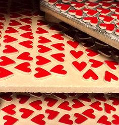 feves galette des rois fabrication francaise pili-pok lyon coeurs rouge