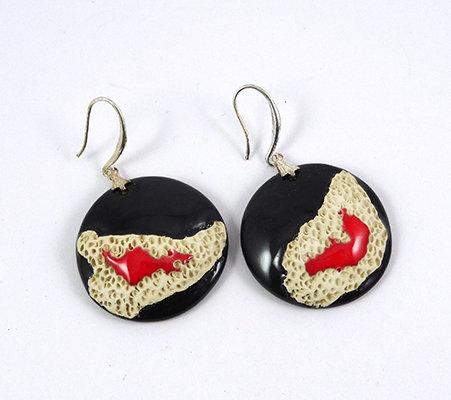 boucles d'oreilles rondes rouge et noir blanc design coquillage minéral céramique