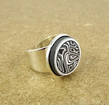 bague ronde graphique motifs noir et blanc anneau argent