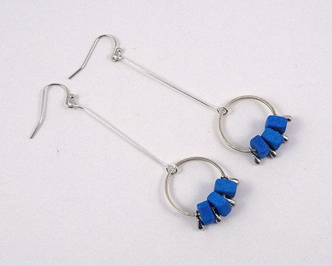 très longues boucles d'oreilles bleu turquoise argenté anneau tige métal