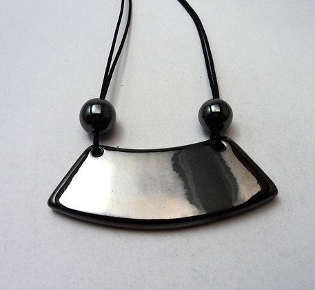 Pilipok | collier,céramique,brillant,métal,argent,créateur,lyon,faïence,terre cuite,plastron