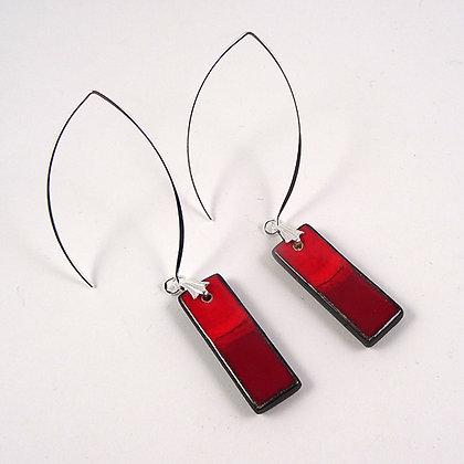 boucles d'oreilles rouge pili longues rectangles fins design ceramique
