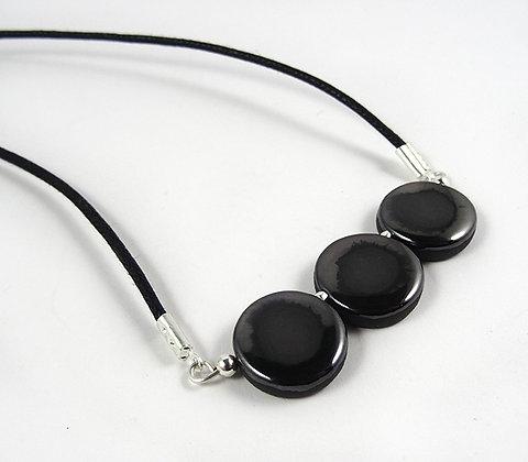 collier chic noir argenté étain avec perles rondes brillantes en céramique