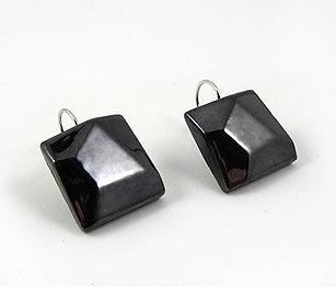 Boucles d'oreilles biseautées carrées couleur métal argenté en céramique