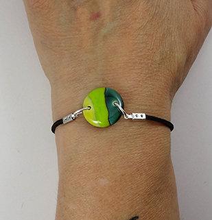petit bracelet vert rond rayures jaune vert pomme élastique