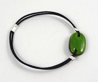 petit bracelet ovale vert avec élastique bijou en céramique