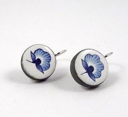 petites boucles d'oreilles fleur vintage bleu et blanc boucles dormeuses