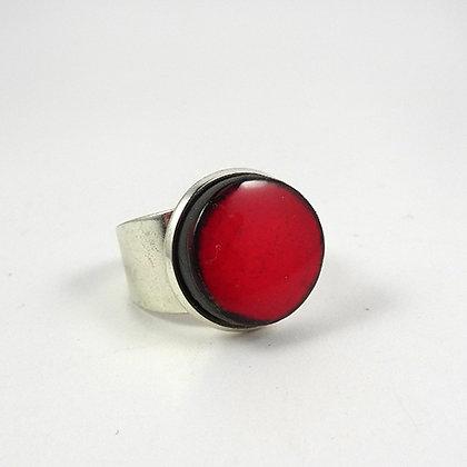 petite bague ronde rouge céramique sertie anneau métal argent