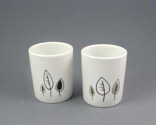 tasses à café originales design céramique noir et blanc arbres feuilles duo