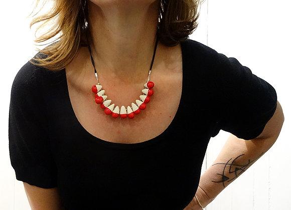 collier plastron rouge chic femme perles gouttes en céramique