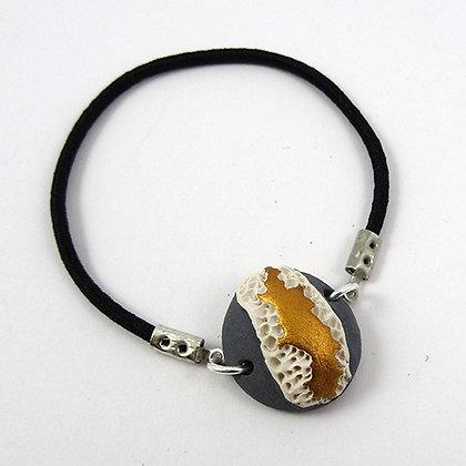 petit bracelet rond gris or blanc en céramique style coquillage