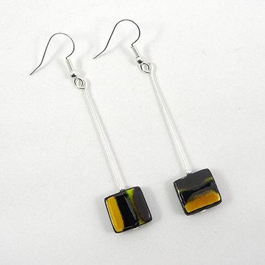 boucles d'oreilles longues fines carrés rayures jaune noir argent