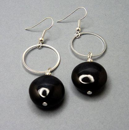 boucles d'oreilles rond noir et anneau argent pour femme