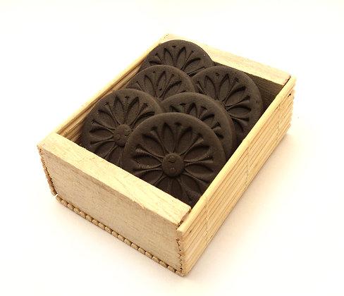 boite cadeau de galets en forme de fleur brune