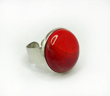 bague ronde rouge en céramique sur anneau argent réglable
