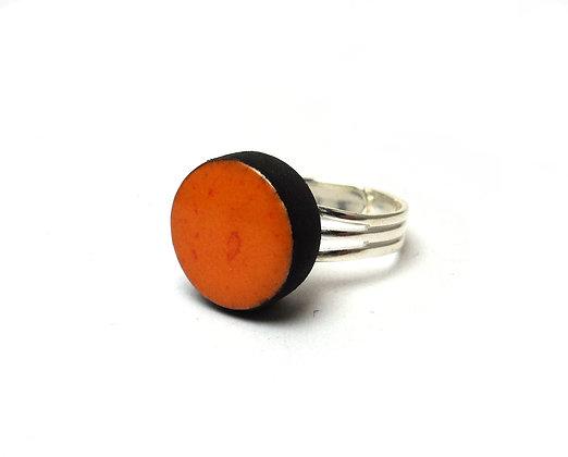 petite bague ronde orange en céramique brillante