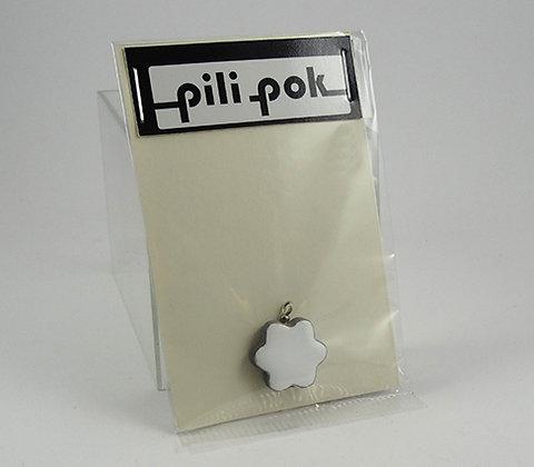 petit pendentif fleur blanche en céramique pochette cadeau