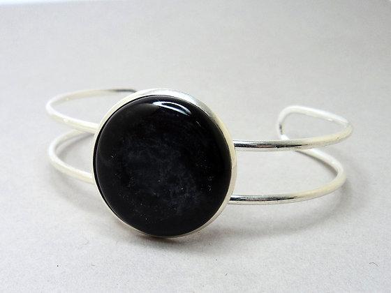 Bracelet manchette réglable en céramique noire sur jonc métal argenté