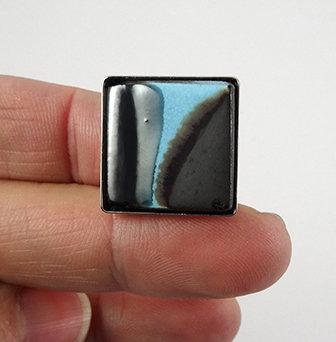 bague chic contemporaine pour femme carré bleu argent noir