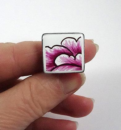 bague carrée rose et blanc motif floral pivoine graphique en faïence