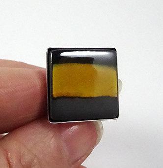 bague carrée jaune noir argent bijou contemporain chic en céramique