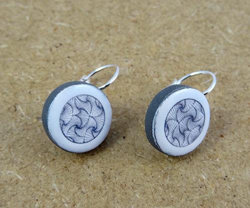 petites boucles d'oreilles rondes motif géométrique bijou original
