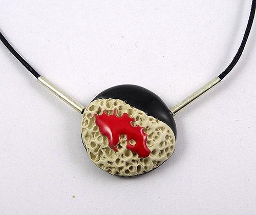 petit pendentif collier noir rouge blanc rond bijou coloré pour femme